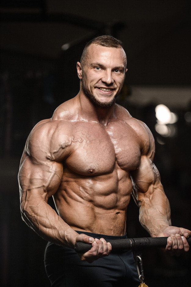 muscular-bodybuilder-fitness-man-doing-arms-exercises-gym-with-sustanon250