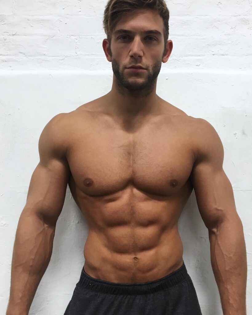 muscle-good-looking-body-man-using-dianabol